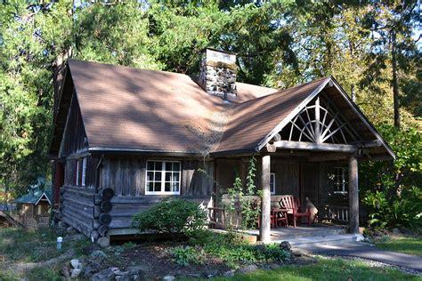cabins for in oregon file hoover cabin log cabin inn bridge oregon