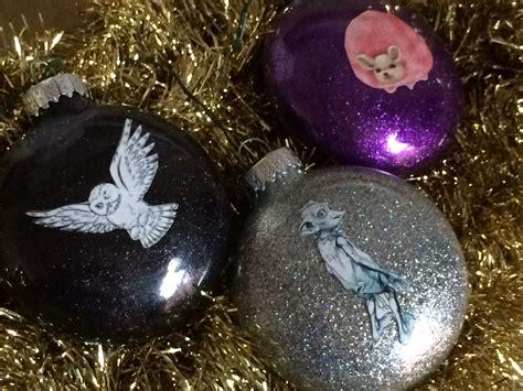 harry potter glitter ornaments chica  jo