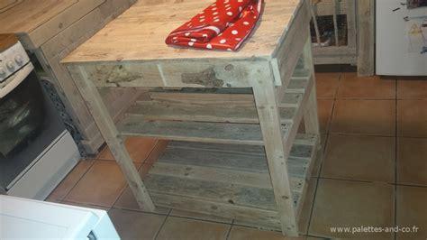 assemblage meuble cuisine comment fabriquer un îlot central de cuisine en palettes