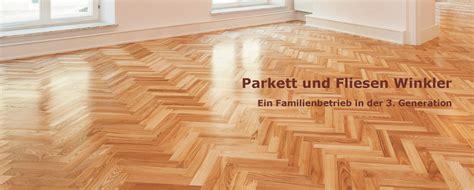 Fliesen Und Parkett In Einem Raum by Fliesen Und Parkett In Einem Raum Bilder