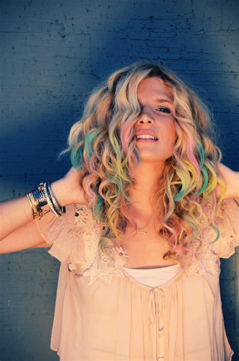 Mr Kate Diy Colorful Pastel Chalk Tips Hair Tutorial
