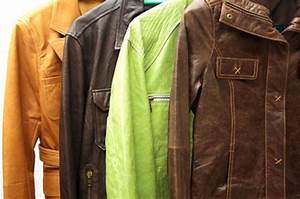 Comment Réparer Un Canapé En Cuir Déchiré : un accroc sur votre cuir une astuce pour r parer votre blouson ou veste conseils pratiques ~ Mglfilm.com Idées de Décoration