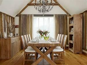 La deco campagne chic s39invite dans la salle a manger for Meuble de salle a manger avec table salle a manger bois design