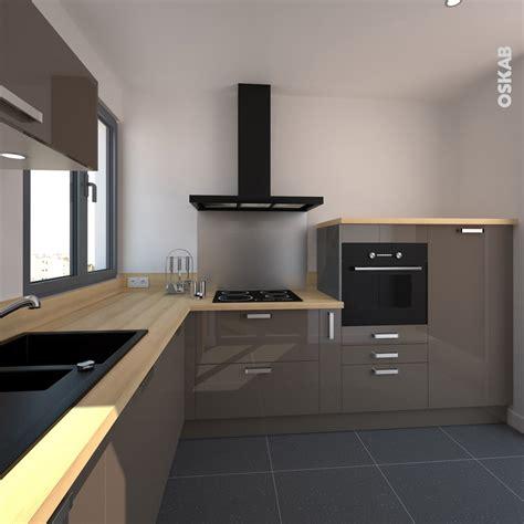 petit plan de travail cuisine cuisine taupe et bois finition brillante pour une ambiance