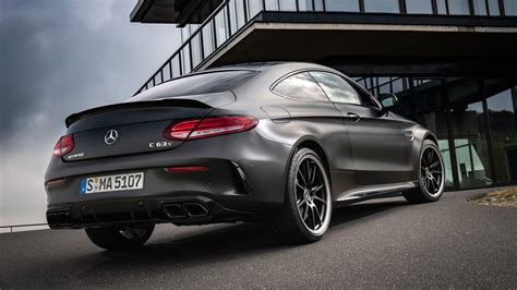 Mercedes-amg C63 S Coupe (2018) Review