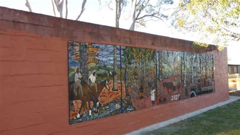 woorabinda mosaic community art project  ozmosaics