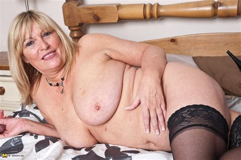 Naughty European housewife playing with herself - Mature Wild Moms - Mature Moms Goes wild at ...