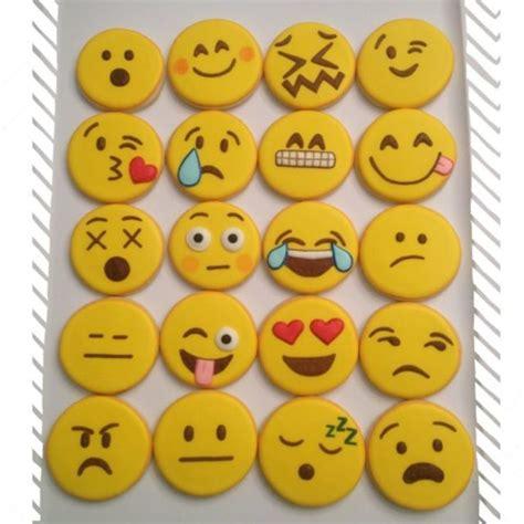 emoji cake template best 20 emoji cake ideas on birthday cake emoji birthday emoji and emoji