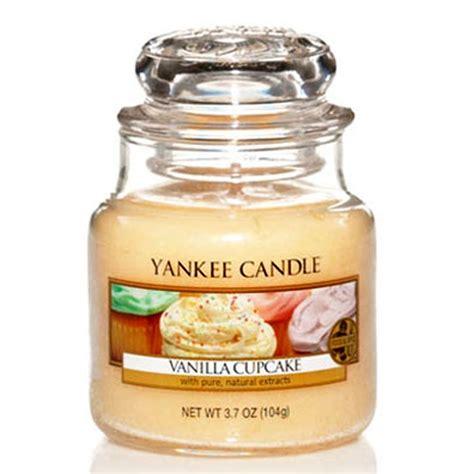 bougie parfumee yankee candle yankee candle vanilla cupcake 3 7oz small jar yankee candle from gift store uk