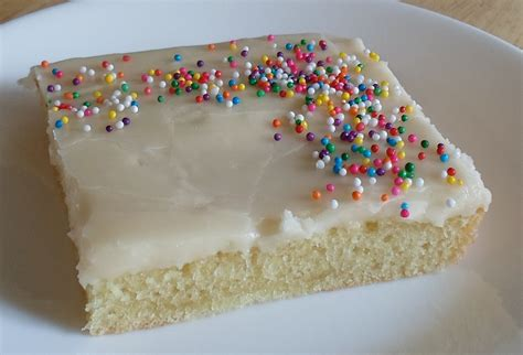 sheet cakes happier than a pig in mud grammy s white sheet cake