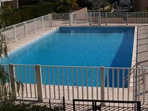 Barriere Protection Piscine : pourquoi opter pour une barri re piscine en bois d 39 achat sur les piscines ~ Melissatoandfro.com Idées de Décoration