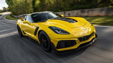 2019 Chevy Corvette Zr1 Track Test Review Autoblog