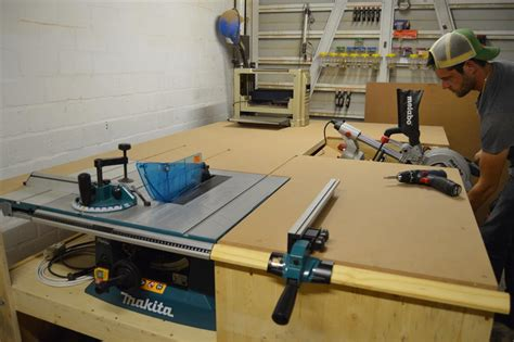 clash miter  installed  table  outfeed table