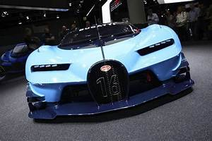 Fiche Technique Bugatti Chiron : bugatti chiron la version de s rie roule sur circuit photo 2 l 39 argus ~ Medecine-chirurgie-esthetiques.com Avis de Voitures