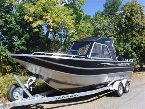 Boat Windshields Vancouver by Thunder Jet New And Used Boats For Sale