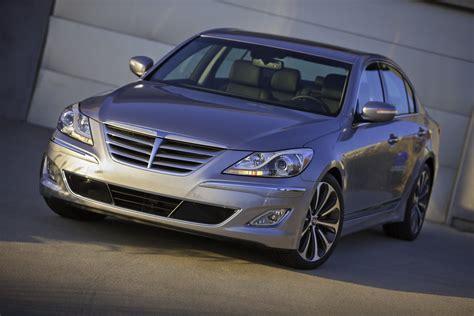 2013 Hyundai Genesis Unveiled - autoevolution