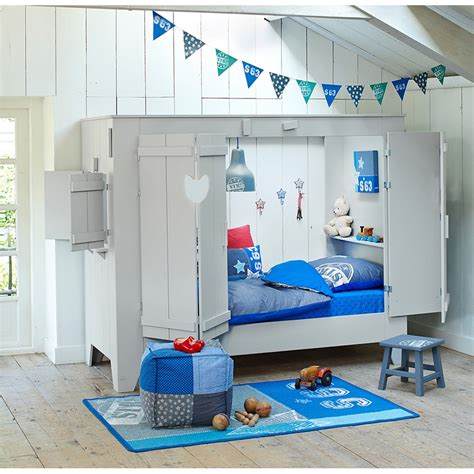 chambre des enfants cupboard style cabin bed folding doors cuckooland