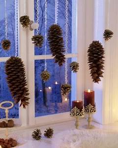 Fensterdeko Zum Aufhängen : besinnliche fensterdeko zu weihnachten ~ Frokenaadalensverden.com Haus und Dekorationen
