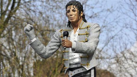 Craven Cottage Michael Jackson Sport Michael Jackson Statue Removal Right Says