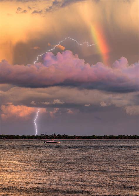 photographer captures electrifying rare snap  lightning