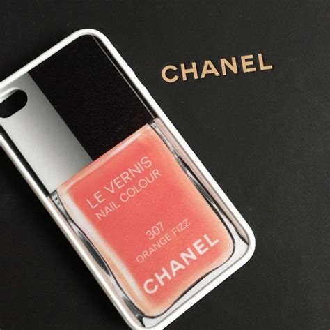 chanel iphone iphone hoesjes chanel images