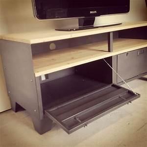 Meuble Tv Rangement : meuble tv m tal et bois 120cm industriel restaur ~ Teatrodelosmanantiales.com Idées de Décoration