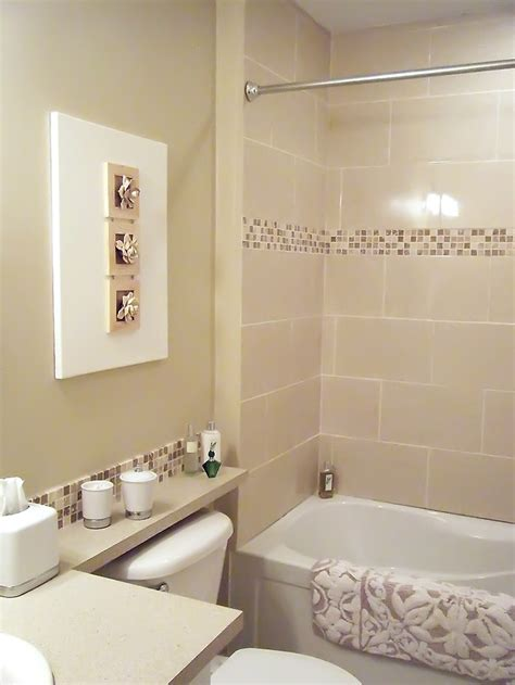 the 3d wall and the mosaic tile border in the