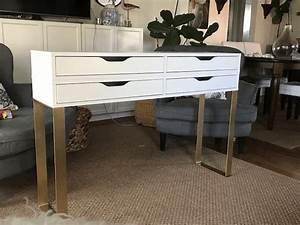 Table De Maquillage Ikea : une table de maquillage moderne avec 4 tiroirs de rangement ~ Teatrodelosmanantiales.com Idées de Décoration