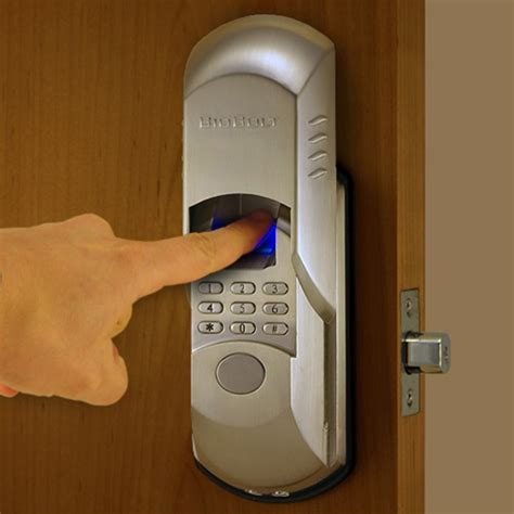 biometric door lock the use of biometric technology