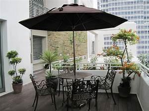 Sonnenschirm Kleiner Balkon : balkonideen die ihnen inspirierende gestaltungsideen geben ~ Michelbontemps.com Haus und Dekorationen