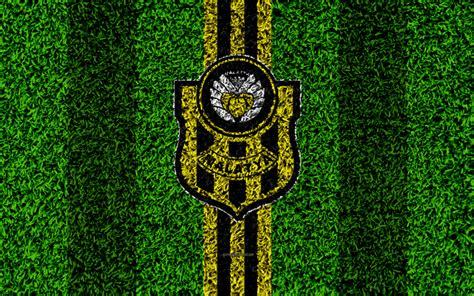 Gras Wird Gelb by Rasen Wird Gelb Flug Ber Ein Mdchen Liegt Auf Einem Grnen