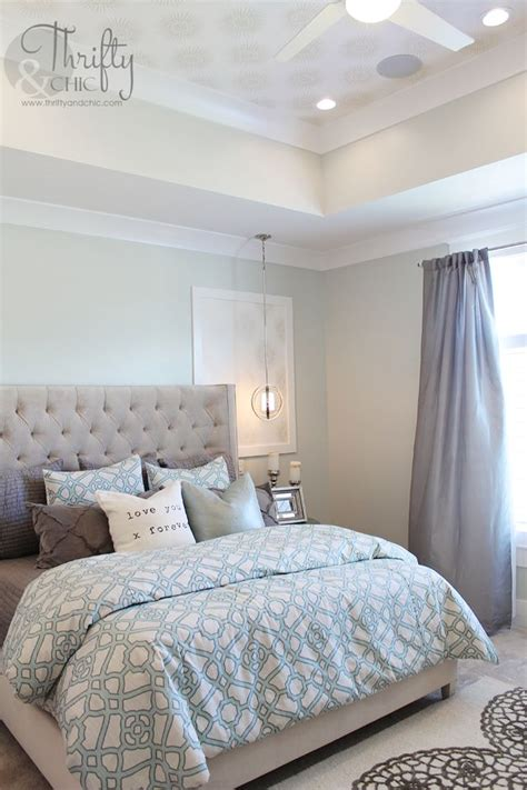 soothing paint colors of blue and grey for this master