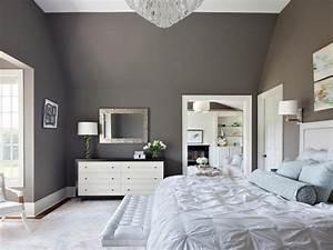 Dreamy bedroom color palettes hgtv for Superb meuble peint couleur taupe 2 chambre a coucher brun beige