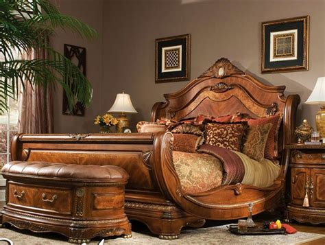 Awesome Classic Traditional Brown 4 Piece King Bedroom Set