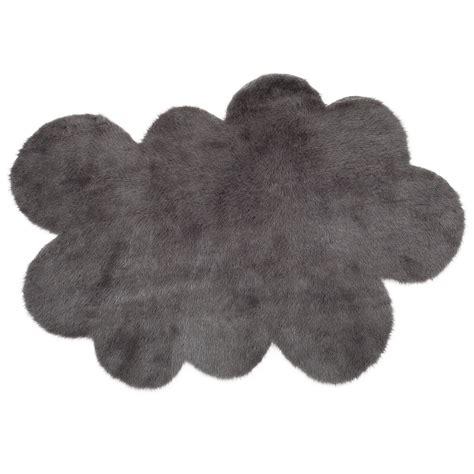 tapis chambre enfants tapis nuage gris anthracite pilepoil pour chambre enfant