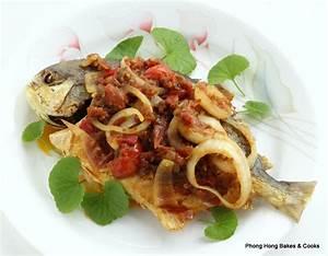 Phong Hong Bakes and Cooks!: Ikan Goreng Sambal Lebur ...