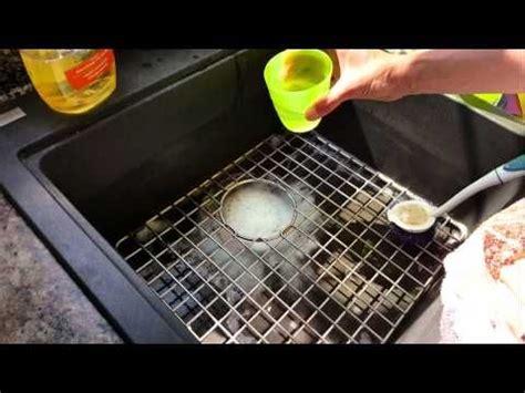 Waschbecken Läuft Nicht Ab by Das Wasser In Sp 252 Le Waschbecken Oder Badewanne L 228 Uft