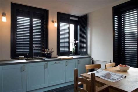 store venitien cuisine volets intérieurs et stores vénitiens pour la cuisine jasno