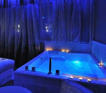 hotel avec bain a remous dans la chambre hotel avec pour vos week end en amoureux soirée