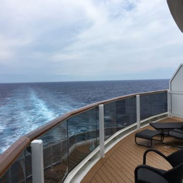 carnival horizon cabins  staterooms