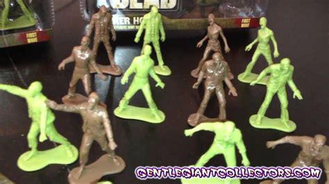 zombie army dead giant walking gentle mini zsx figure