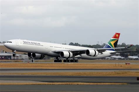 File:South African Airways Airbus A340-600 PER Monty-1.jpg - Wikimedia Commons