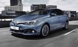 Toyota Auris 2015 : im watching you new european toyota auris previews scion 39 s new im news car and driver car ~ Medecine-chirurgie-esthetiques.com Avis de Voitures