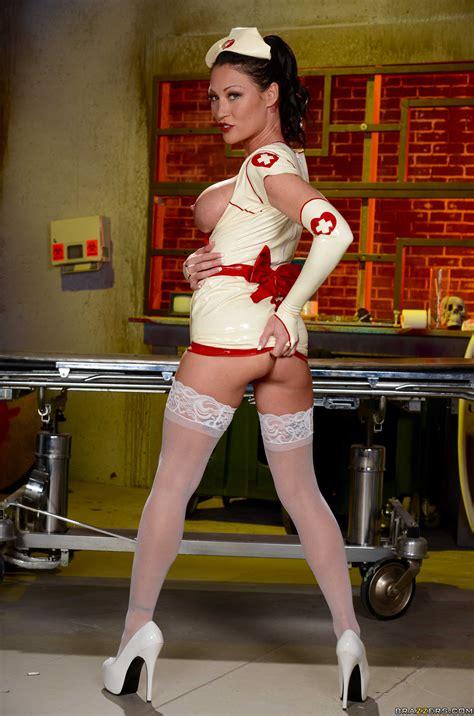 Smoking Hot Nurses Are Wearing Latex Uniforms Photos