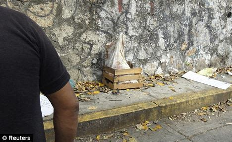 Mexican drugs cartel leave 5 severed human HEADS outside ...