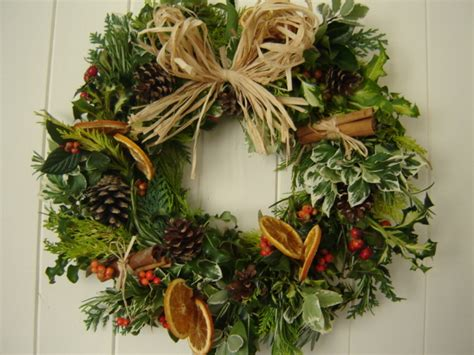 making christmas wreaths xmaspin
