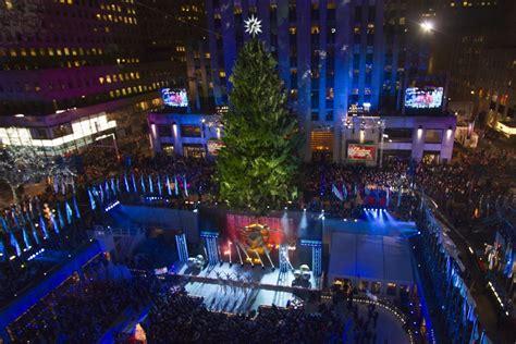 Watch Rockefeller Center Christmas Tree Lighting