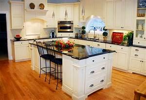 Kitchen: Alluring L Shape Kitchen Decoration With Light