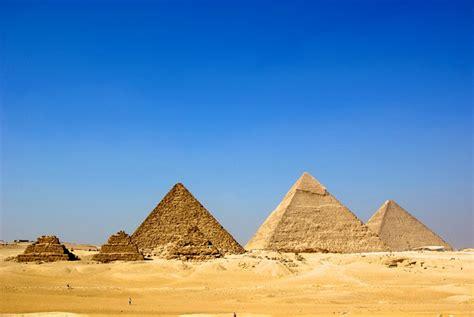 giza necropolis cairo egypt yourtripto