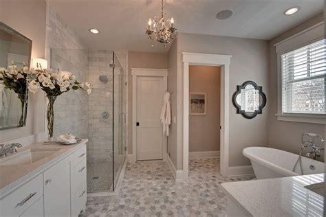 gray shower curtain  yellow  light grey walls high rise
